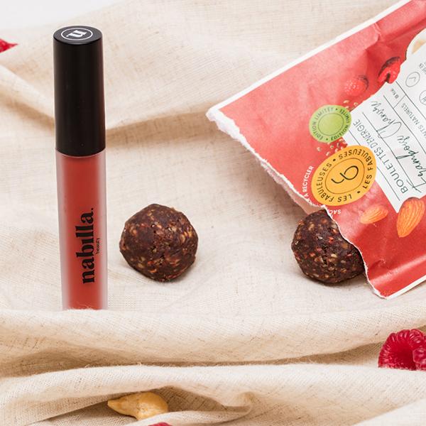 1 lipstick + 4 sachets boulettes Les Fabuleuses