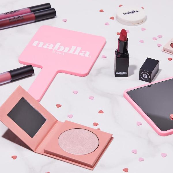 1 miroir + 2 lipsticks